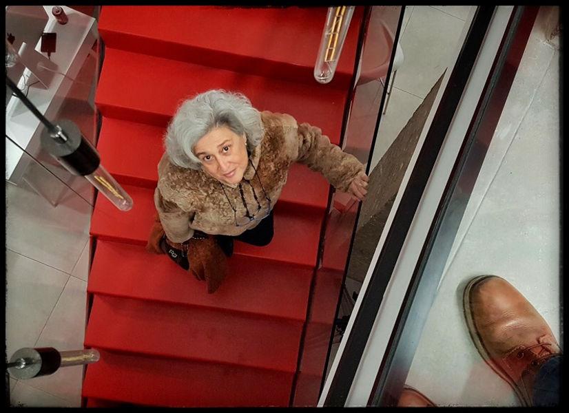 Escalera en Rojo