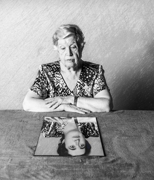 María recuerda en blanco y negro