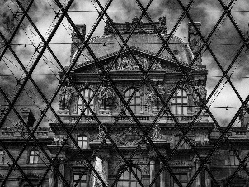 Presente y pasado en el Louvre