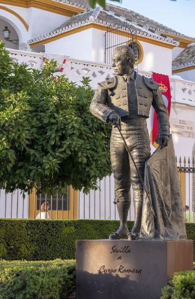 Sevilla a Curro Romero