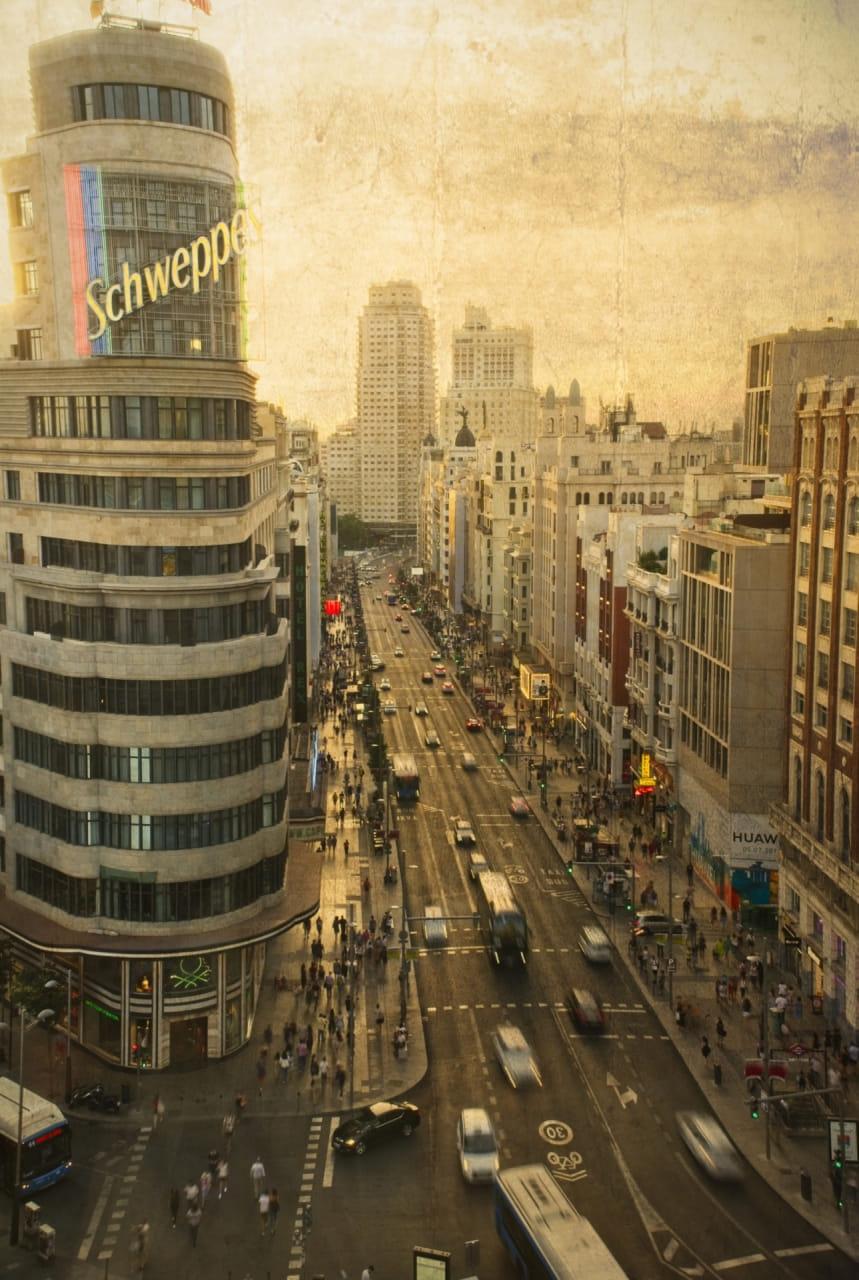 Madrid (Paisaje urbano, al atardecer)