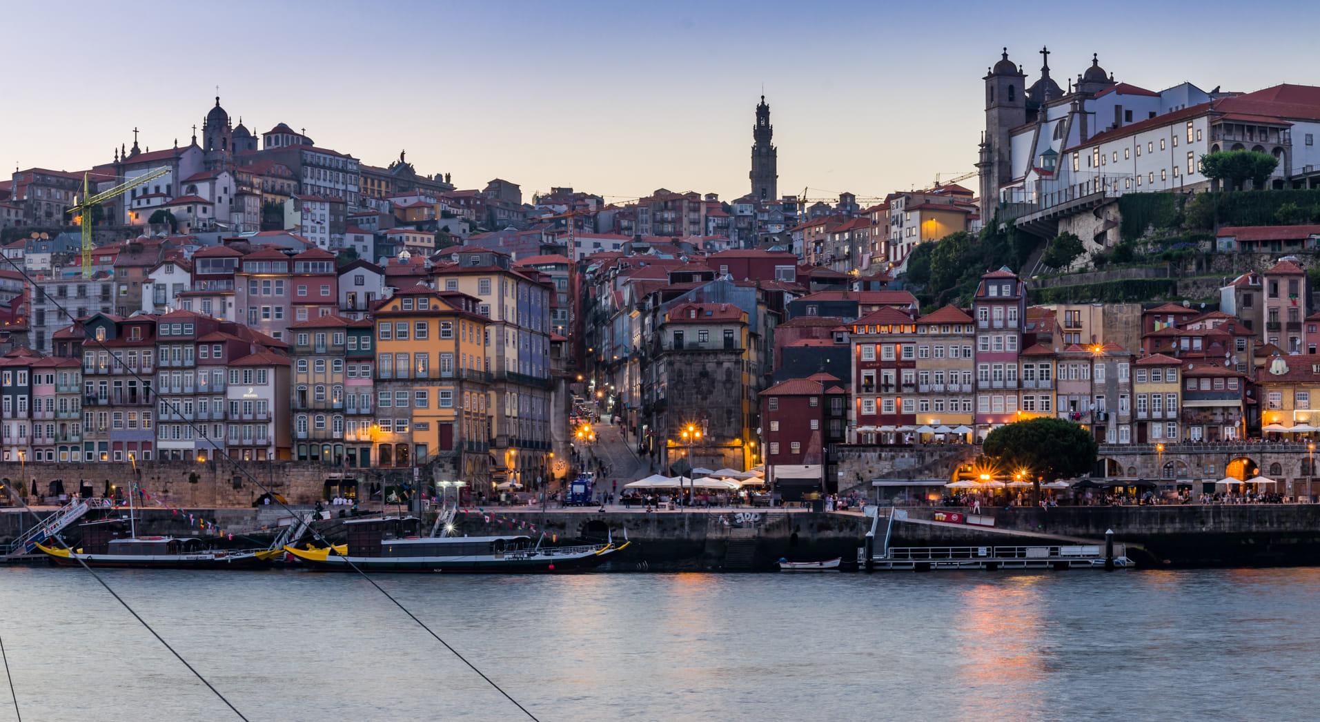 Anochece en Oporto