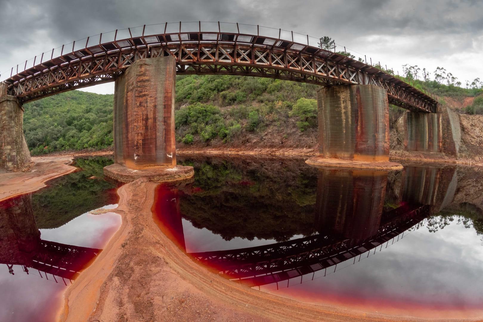 Puente sobre el rio Tinto