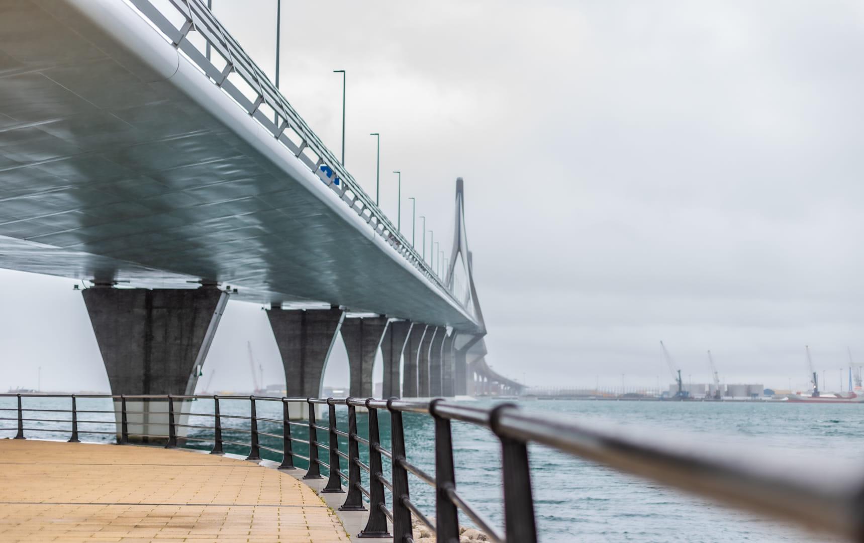 Puente y mirador