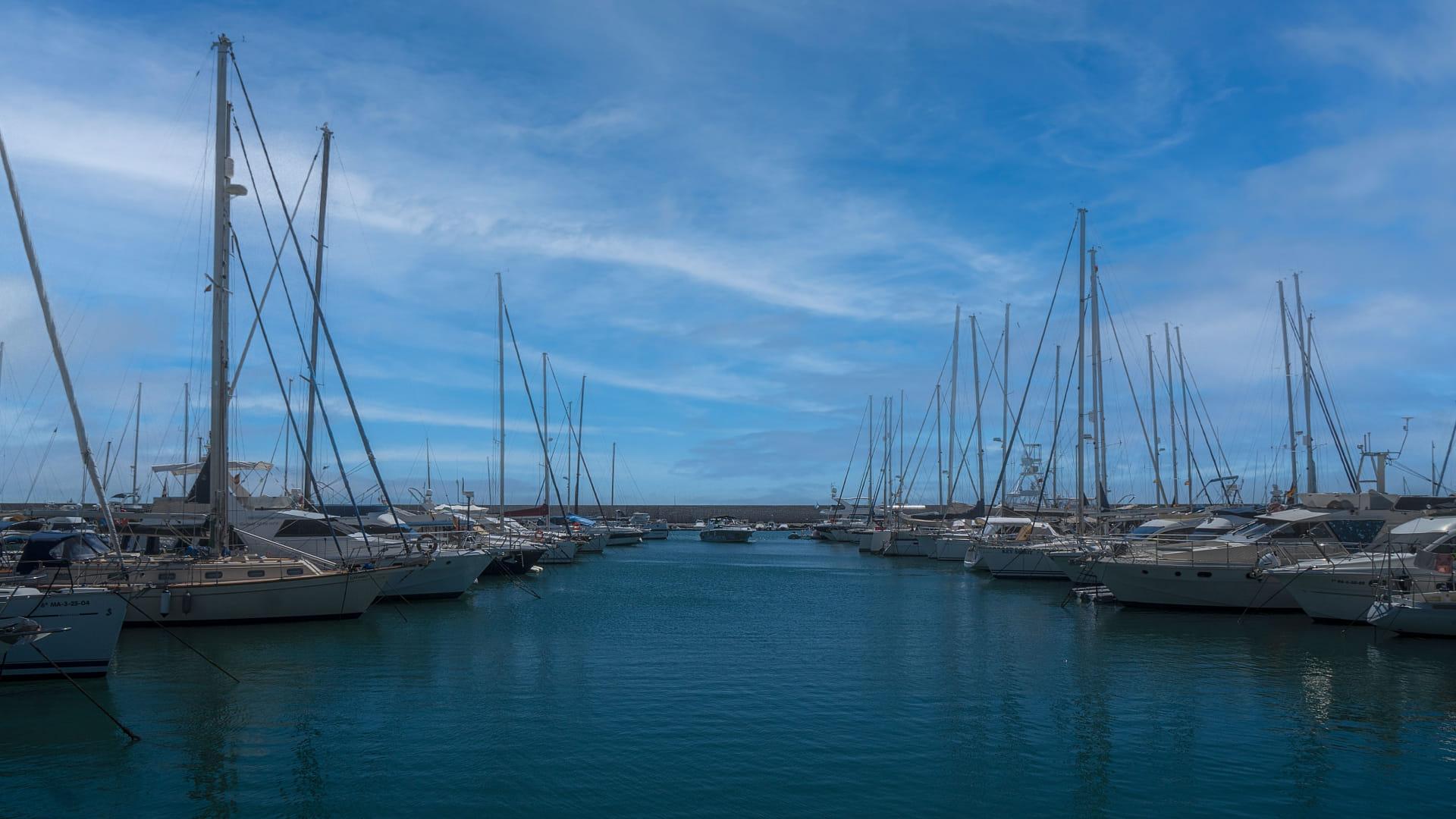 Paseo por el puerto