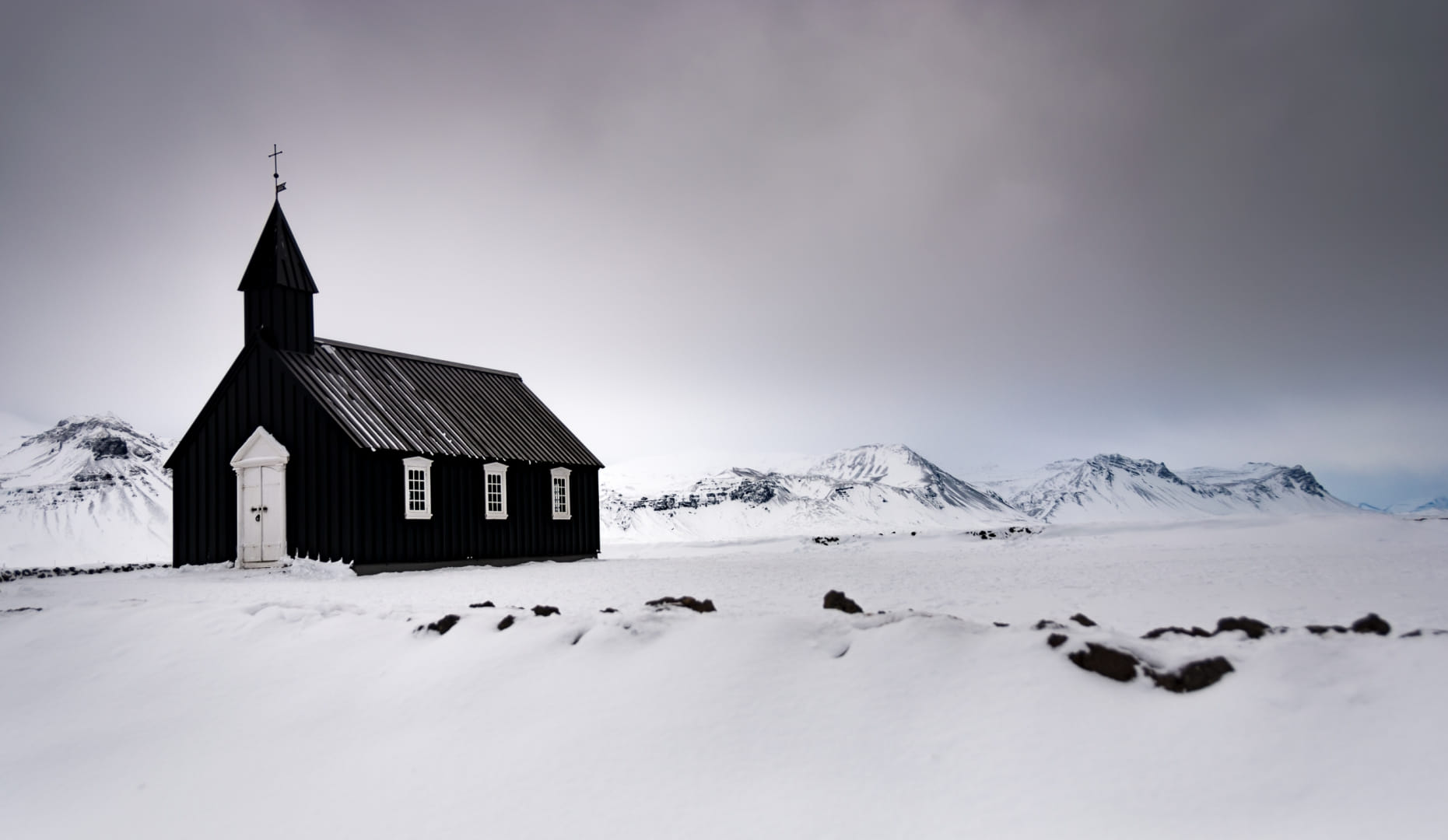 Paisaje con iglesia
