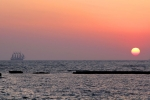 El Juan S. Elcano en busca del sol de poniente