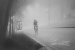 Ciclista en la niebla