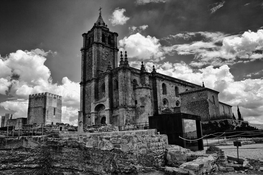 Iglesia Mayor Abacial Fortaleza de la Mota (Alcala la Real)
