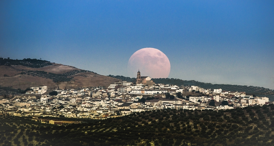 Baena, eclipsada por la Luna