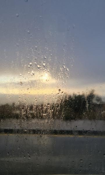 Puesta de sol con lluvia