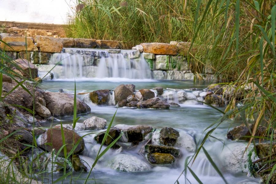 Efecto seda, aguas termales.
