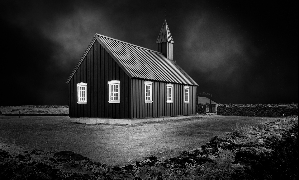 Iglesia negra