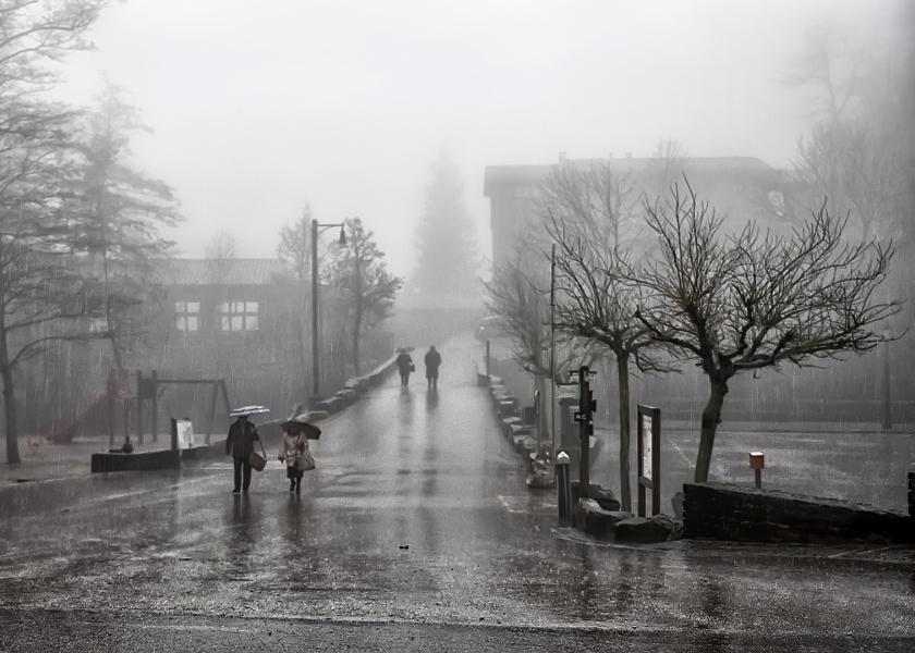 Llueve en Rupit.