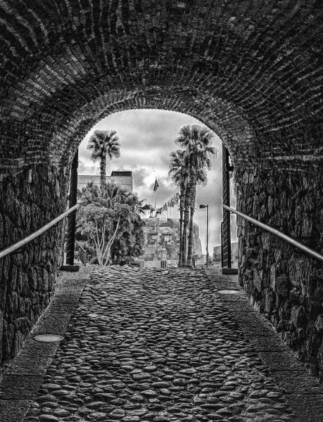 el túnel que lleva a plaza de armas